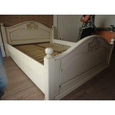 Деревянная кровать «Афродита»